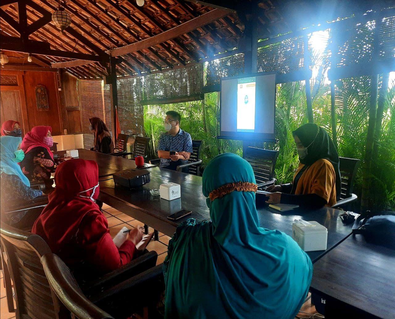 Sosialisasi ICANDO di Kota Blitar yang dihadiri oleh IGTKM dan IGRA dalam rangka mendidik guru-guru cerdik menghadapi digitalisasi